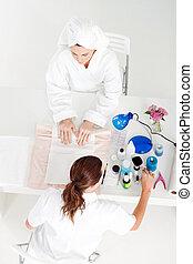 Beautician y cliente