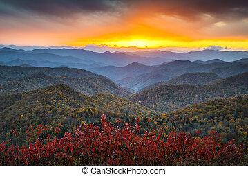 Blue Ridge Parkway otoñal apache de montañas otoñales puestas de sol del oeste de NC