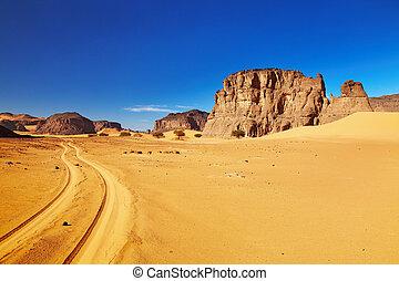 Camino en el desierto de Sahara, Tadrart, Argelia