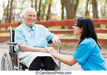 Charlando con ancianas