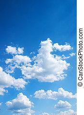 Colorido y brillante fondo del cielo azul