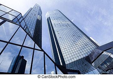 Edificio de negocios moderno