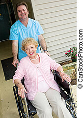 Feliz residencia de ancianos