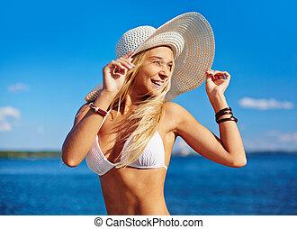 Feliz sunbather