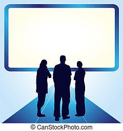 Gente frente a la pantalla