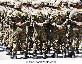 Hombres militares