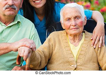 Una anciana con la enfermedad de Alzheimer