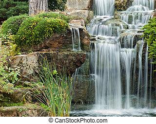Una cascada pacífica
